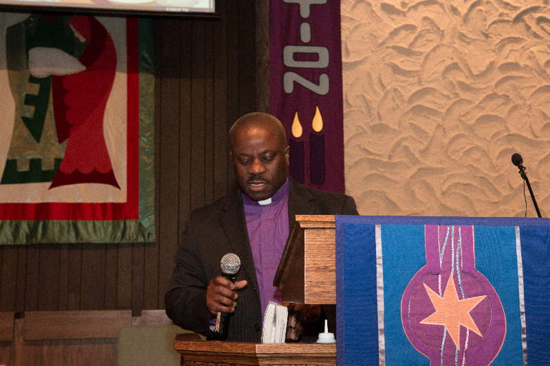 Pastor Charles Goah of United Christian Fellowship Church in Minneapolis officiated at the funeral of the late Henry T. McCabe at the Brooklyn United Methodist Church in Brooklyn Center, Minnesota on December 19, 2015. The late McCabe's body was discovered at Rush Lake on November 2, 2015 after missing for almost a month. Photo: Courtesy of Liberian Brothers and Sisters Keepers Organization (LIBASKO)